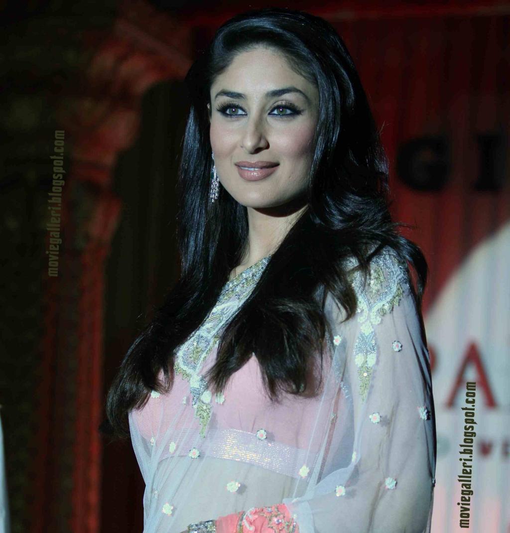 Hot Bollywood Actress Kareena Kapoor Wallpapers  Free Hd -2223