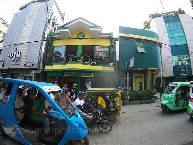 Top-5-where-to-eat-in-boracay