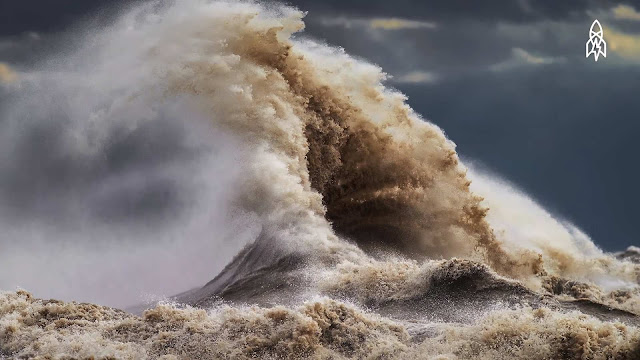 Photographing Liquid Mountains Great Lakes  Dave Sandford