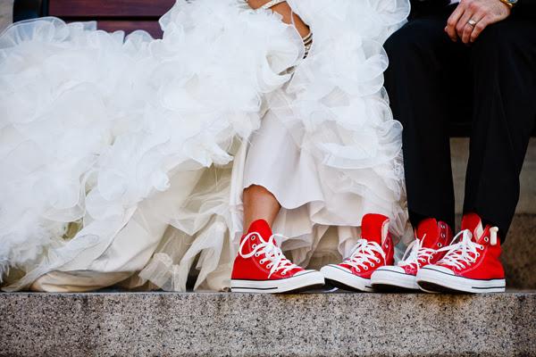 Novias con Converse  Mucho mas que bodas