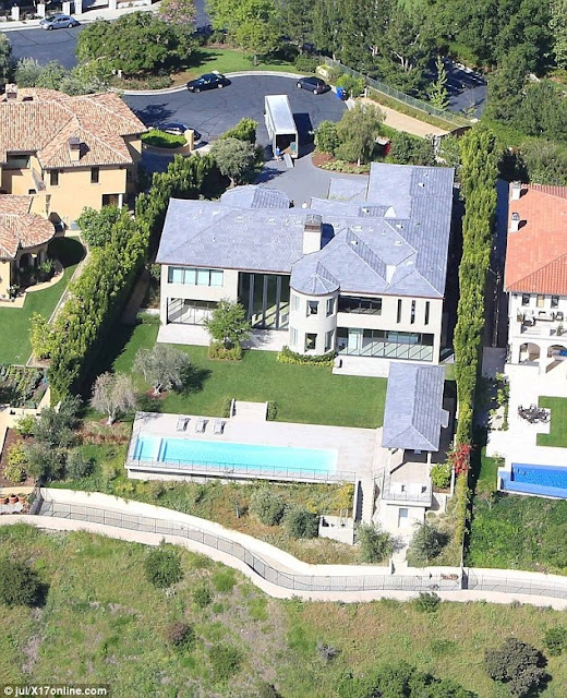 After 3 years Kim and Kanye finally move out of Kris Jenner's home (Photos)