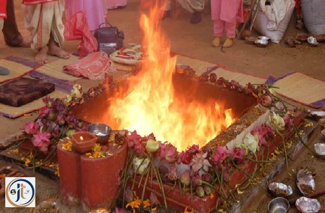 Inn Upayon ko Apnaakar Paayen Lakshmi ji Ki Kripa