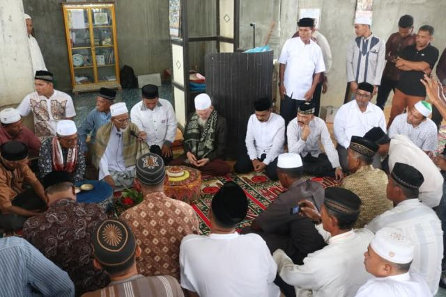 Cek Mad - Sidom Peng Bersama Ulama Hadiri Zikir Bersama dan Peresmian Masjid Cut Nyak Asiah