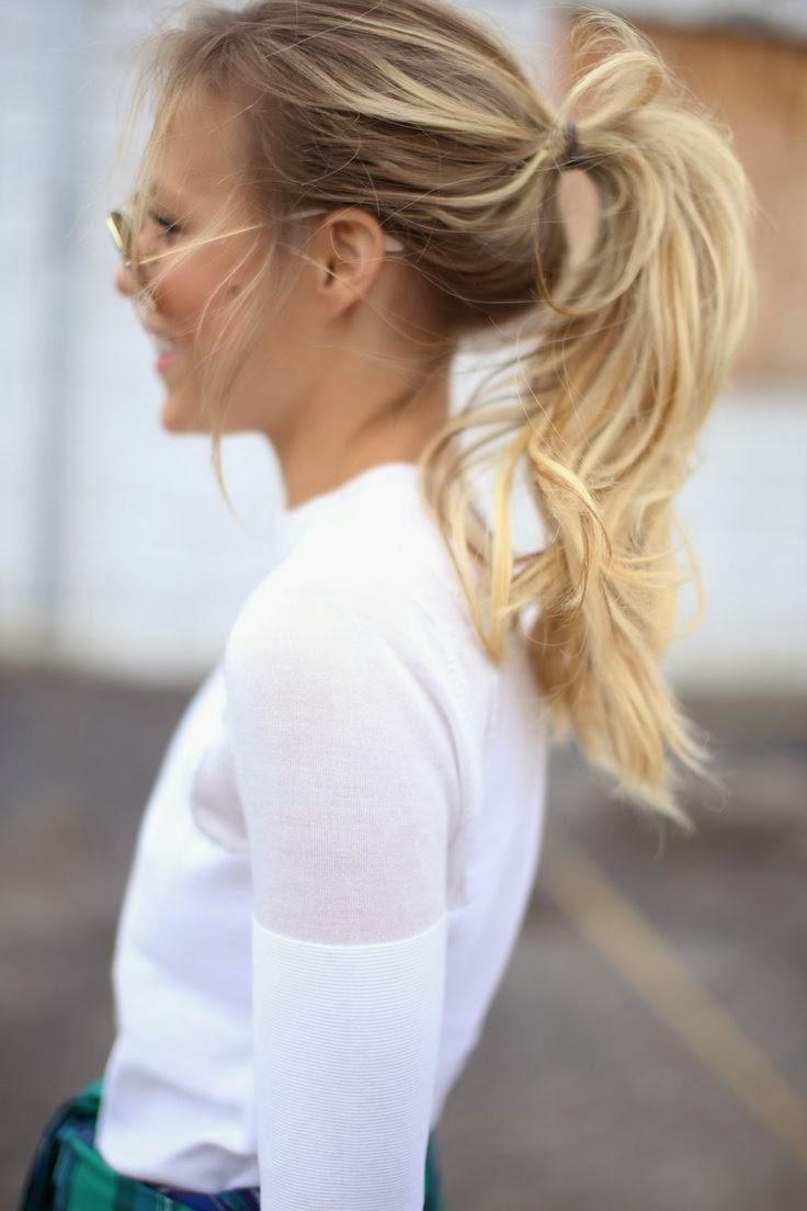 girls with messy ponytail via belle vivir blog