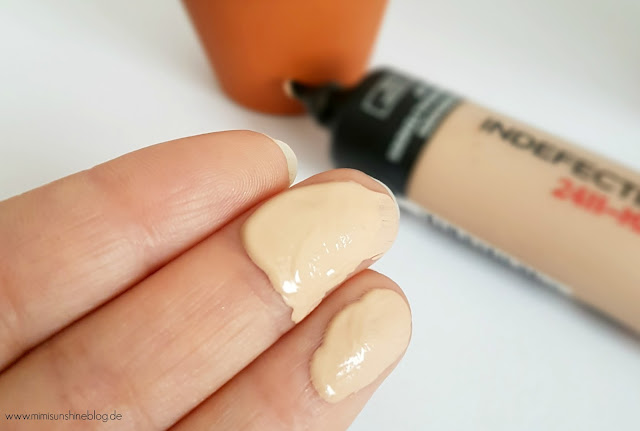 L´Oréal Indefectible Matt Make-up - auf meinen Fingern