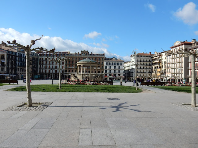 Plaza del Castillo, Pamplona, Navarra, Elisa N, Blog de Viajes, Lifestyle, Travel