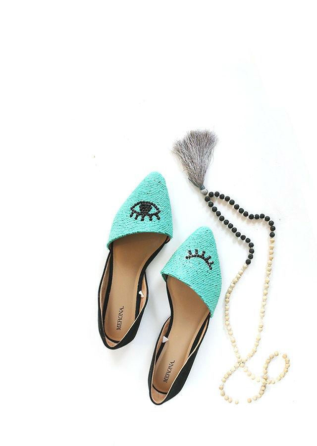 Resultado del tutorial de customización de zapatos con cuentas