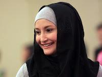 Dulu Jadi Model Panas, Kini 10 Artis Ini Cantik dan Adem Dengan Hijab