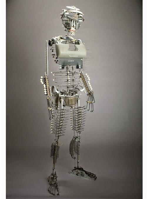 14-Jeremy Mayer-Typewriter-Robot-Sculptures-www-designstack-co