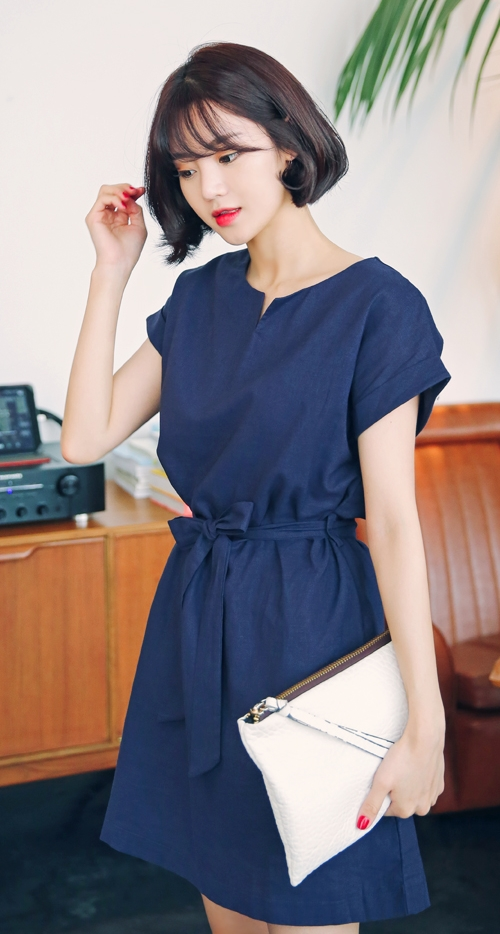 Sashed Waist Short-Sleeved Dress