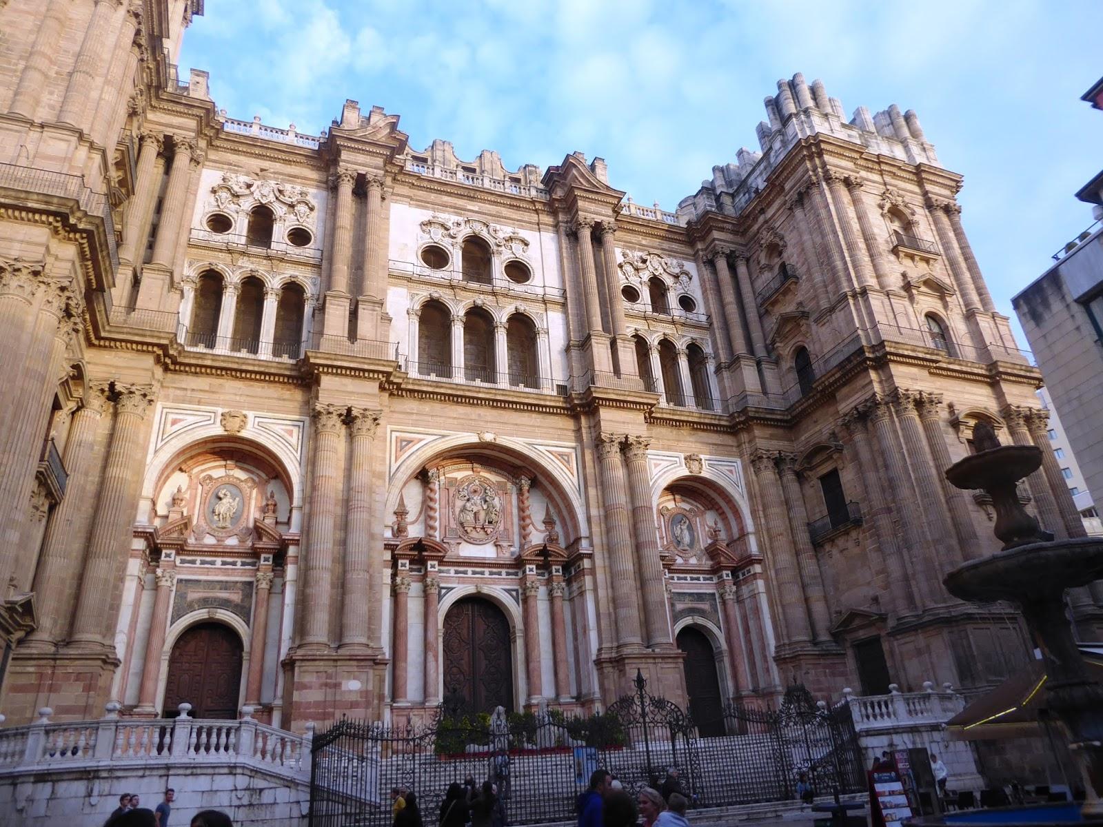 Dando Vueltas Por El Mundo Málaga