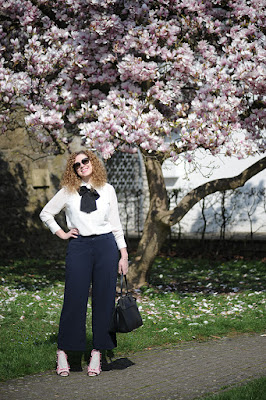 http://seaofteal.blogspot.de/2016/04/culottes-magnolia-knipmode-fashion.html