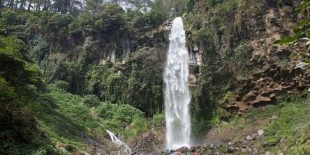 Air Terjun Tegan Kiri Dengan Panorama Alam Indah dan Alami