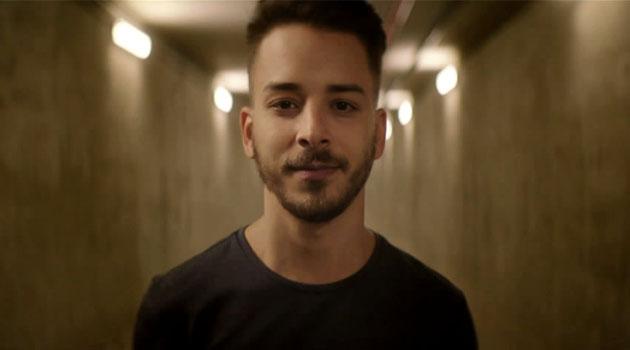 'Aquele que não saiu do armário', diz Junior Lima em comercial