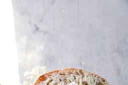 Marínated Vegetable Cheese Sandwích