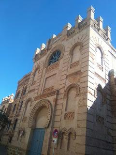 Fachada del teatro Manuel de Falla