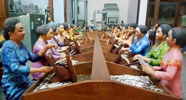 Diaroma Koleksi Museum Kretek Kudus