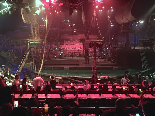 inside pirates dinner adventure show seats