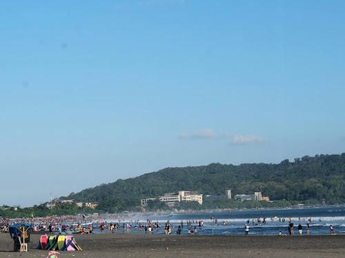 Turis Pantai Pangandaran