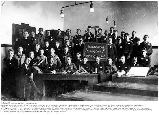 NLJS_00183_BIAB.jpg Bensheimer Gewerbeschule Untere Klasse 1924 / 1925, Nachlass Joseph Stoll Bensheim