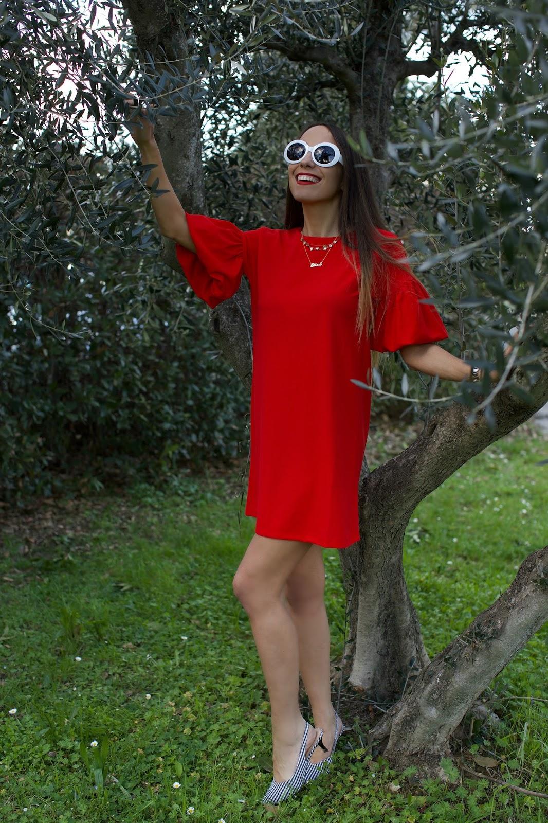 abito rosso compania fantastica