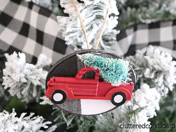 DIY a Simple Farmhouse Style Christmas Ornament
