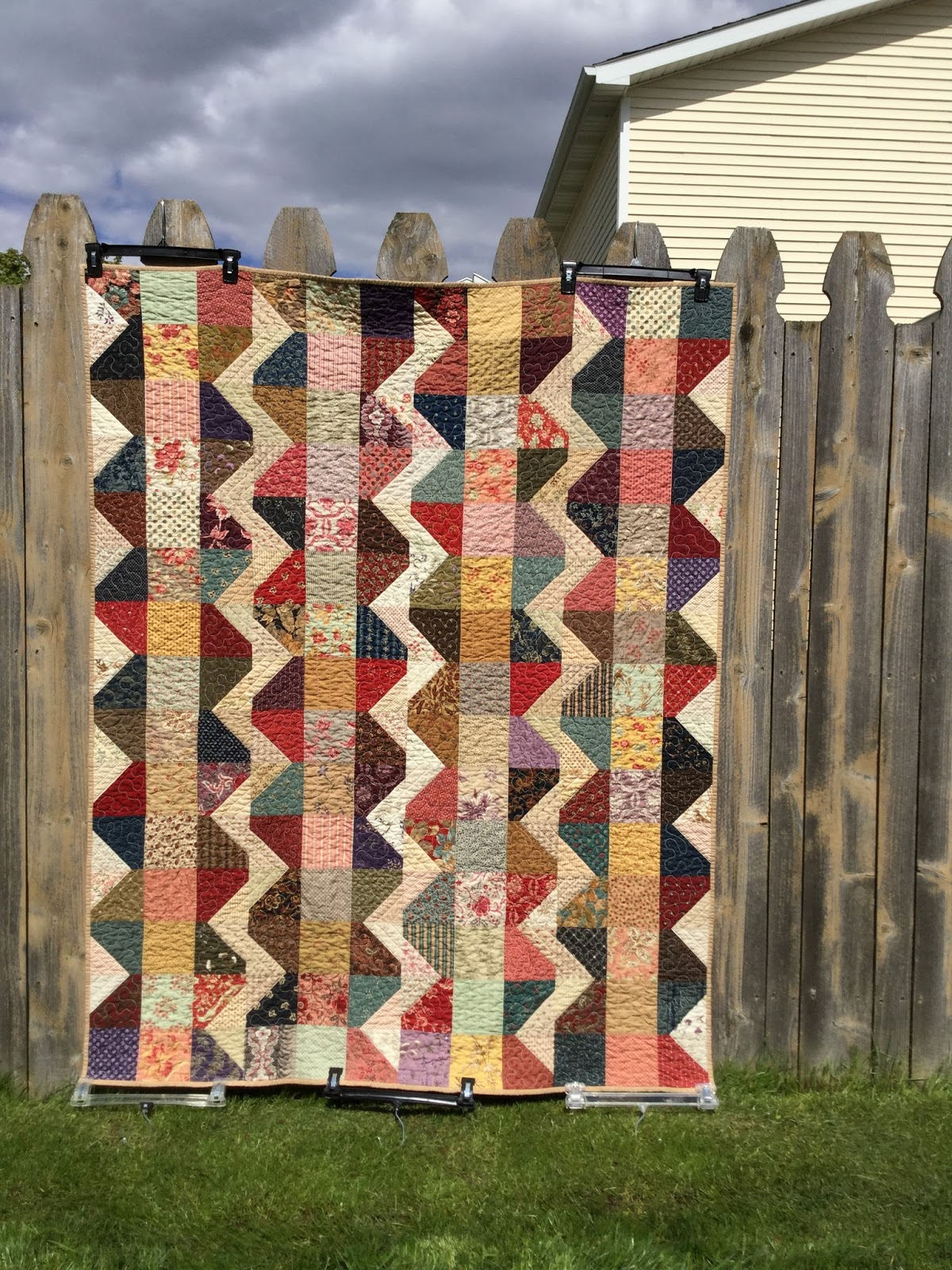 Quilts from the Little House: Hands2Help Finishes