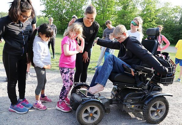 Bara Vanlig Hälsa (Just ordinary health) is a non profit organization in Nacka. Niclas Wennerlund. Adidas powerlift training shoe