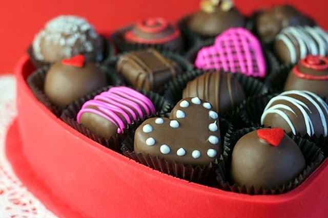 Happy Chocolate Day Images for Love