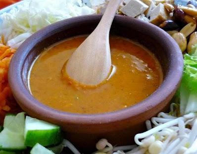 Asinan Betawi (Indonesian Salad from Jakarta). #saladrecipe #healthyrecipe #indonesiancuisine #saladrecipe #vegetarian #veganrecipe #tofurecipe