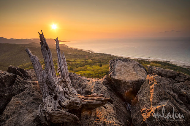 Matahari terbit di bukit Fatubraun