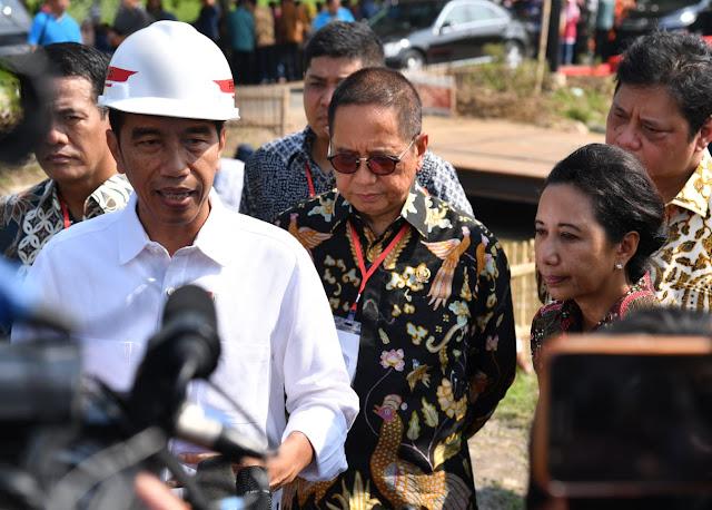Jokowi Pastikan THR Daerah Akan Dibayar Tepat Waktu