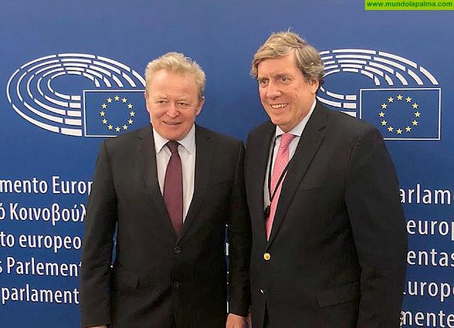 El Comisario europeo de Agricultura se compromete con Gabriel Mato a defender el mantenimiento del POSEI y su ficha financiera