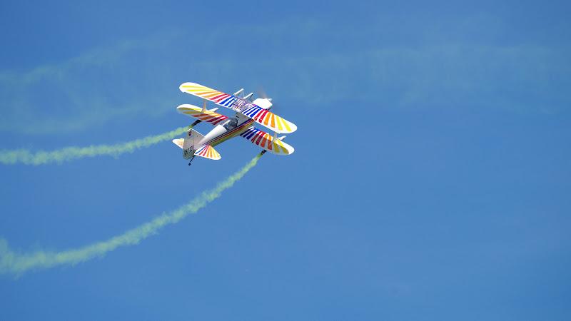 Plane in an Airshow 2 HD
