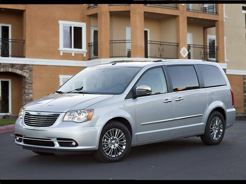 news cars new chrysler town and country model year 2011. Black Bedroom Furniture Sets. Home Design Ideas