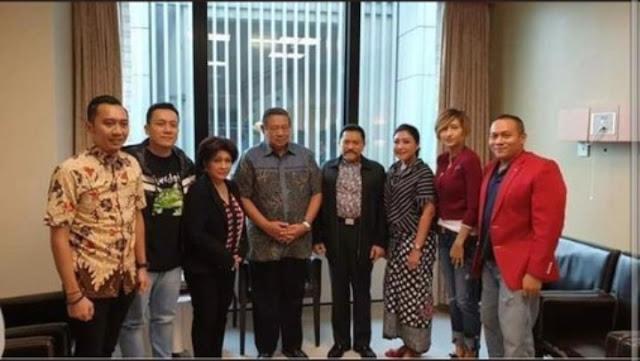 Kuda Hitam Agus Yudhoyono - Diaz Hendropriyono