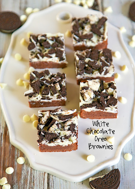 White Chocolate Oreo Brownies Recipe - homemade brownies topped with white chocolate and crushed Oreos - SO good! Recipe from Fat Witch Bakery in NYC.