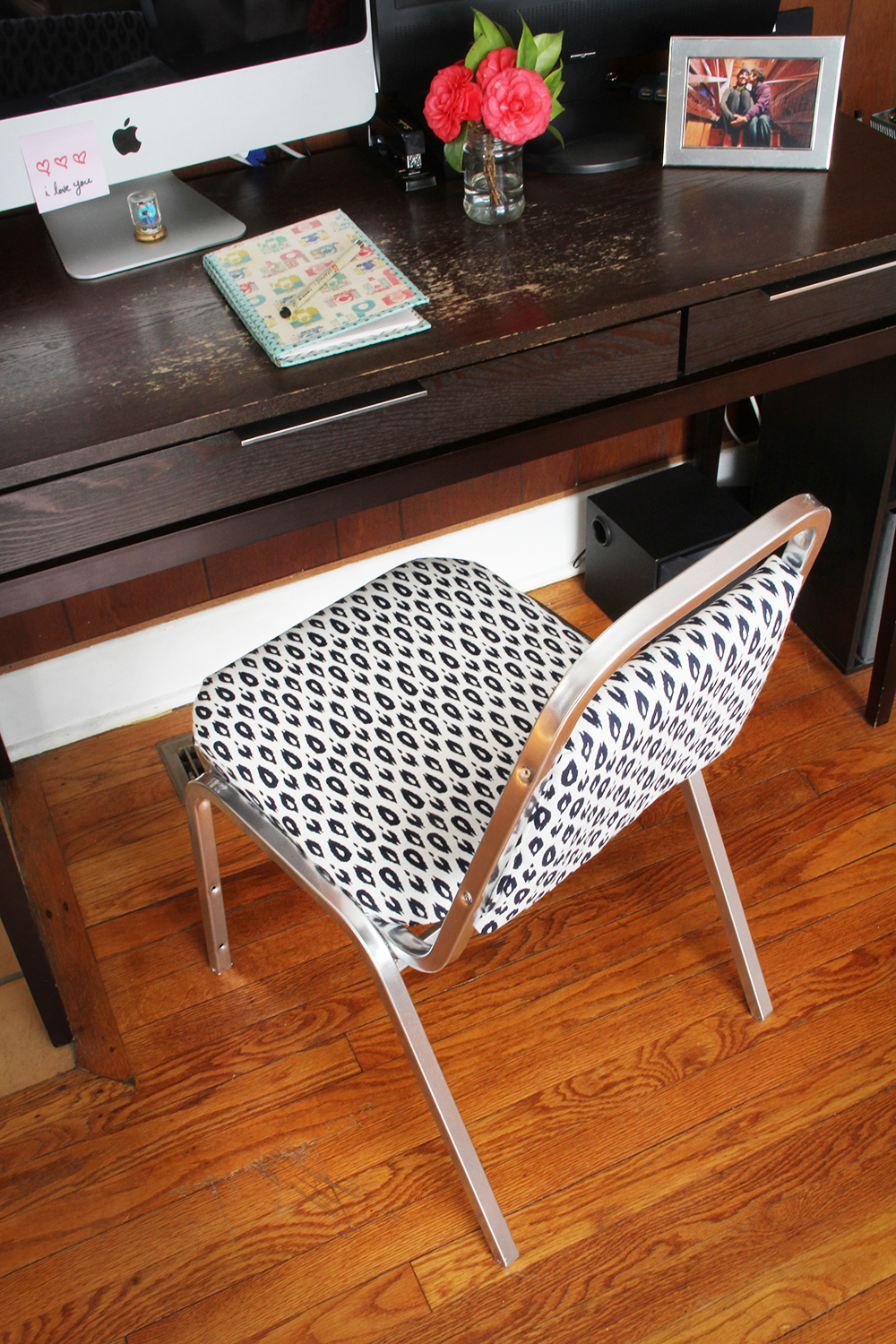 Go from bore to bling with this office chair makeover