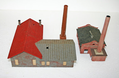 N Gauge Industrial Group of Buildings Factory Pola Engine Shed/Workshop Chimneys picture 2