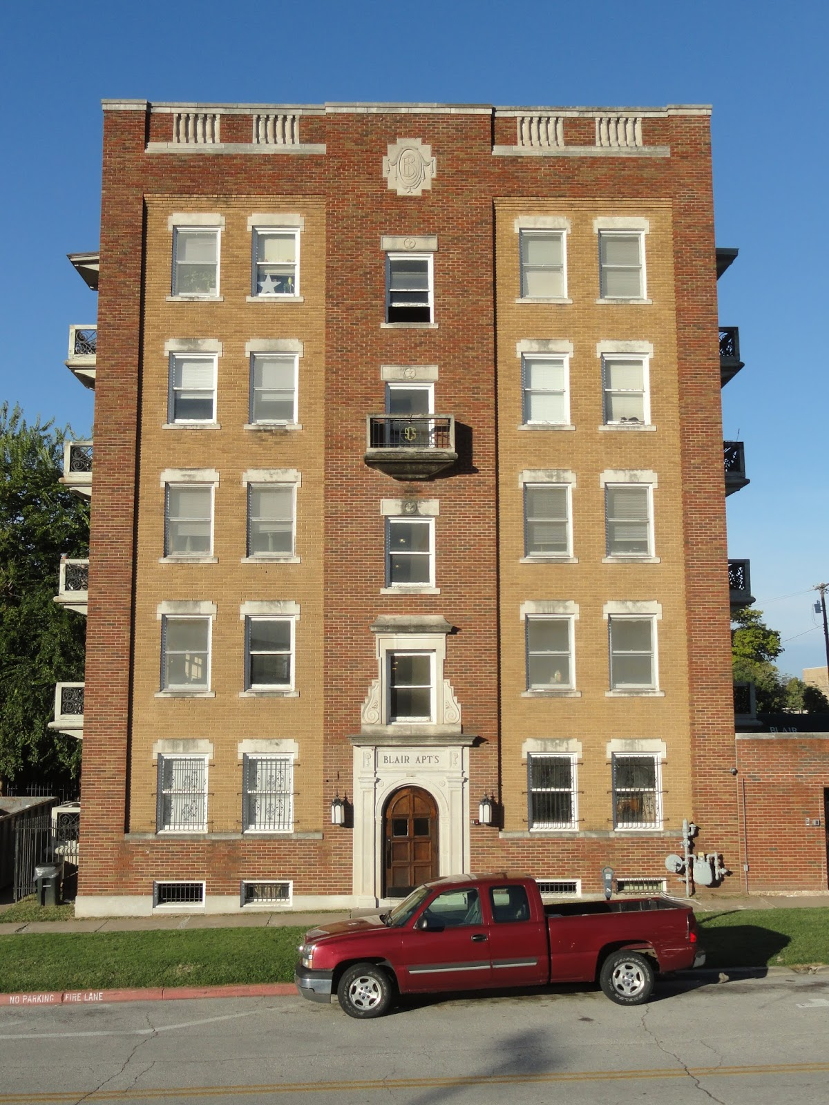 Mr Brady Was One Of The Original Founders Tulsa Who Built His Mansion About A Block Away From This Apartment Building