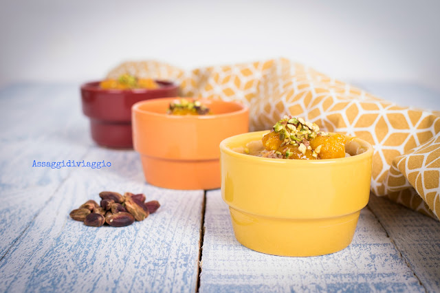 Budini di farro con arancia caramellata, tahini e pistacchi di Yotam Ottolenghi