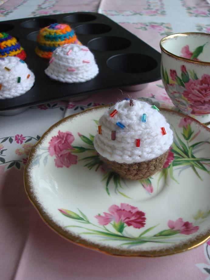 NyanPoncom Mini Birthday Cupcakes