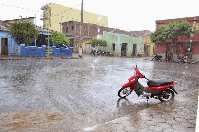 Feriado de São José deve ter chuva em todas as macrorregiões do Ceará, diz Funceme