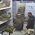 Vídeo mostra ladrão furtando farmácia em Ceilândia