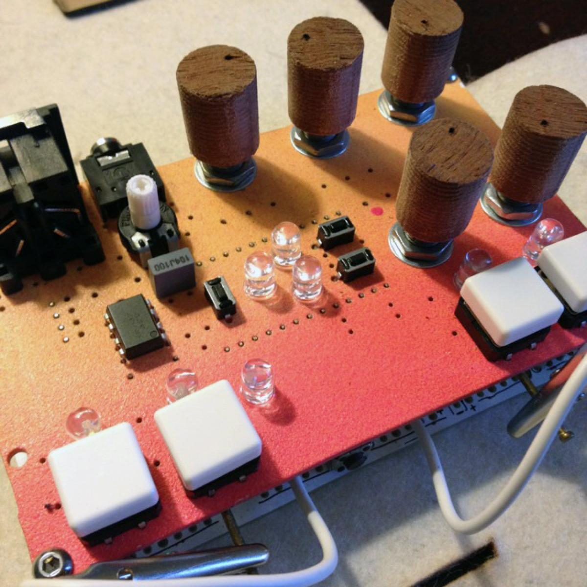 Matrixsynth Sunday May 3 2015 Diy Voltagecontrolled Amplifier Hackme Via Classifieds