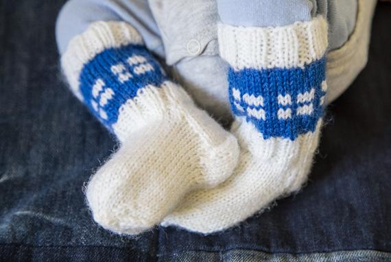 Suomi 100 -sukat vauvalle