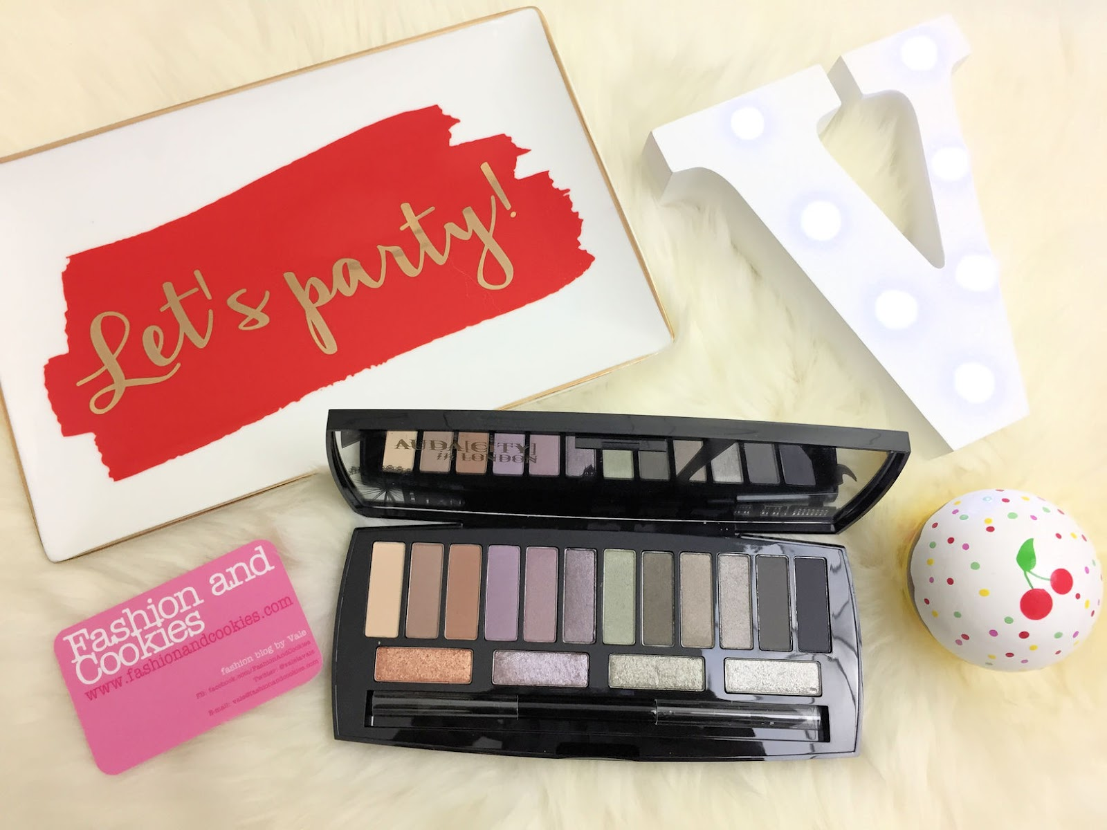 Lancôme Audacity in London eyeshadow palette on Fashion and Cookies beauty blog, beauty blogger