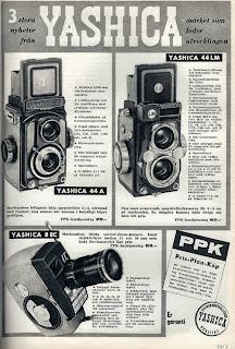 Poster jadul iklan TLR Yashica 44LM dan 44 A