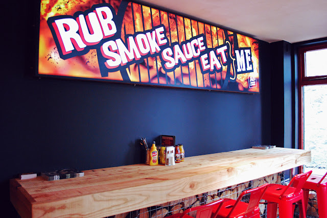 Rub Smoke Sauce Eat Me - Cue Barbecue Aberdeen