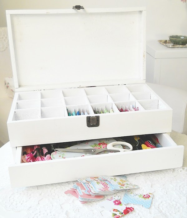 DIY Wooden embroidery floss storage and it has a project drawer!